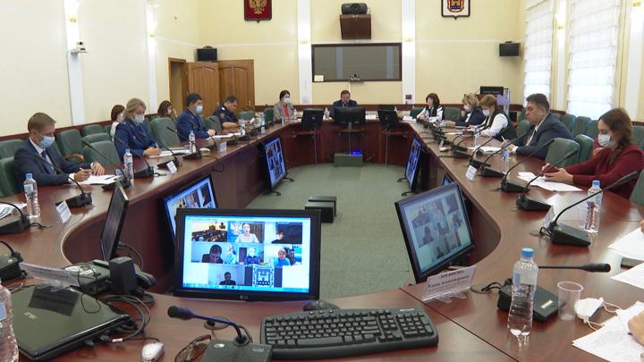 Обеспечение жильем детей-сирот обсудили в Калининграде омбудсмены Северо-Запада