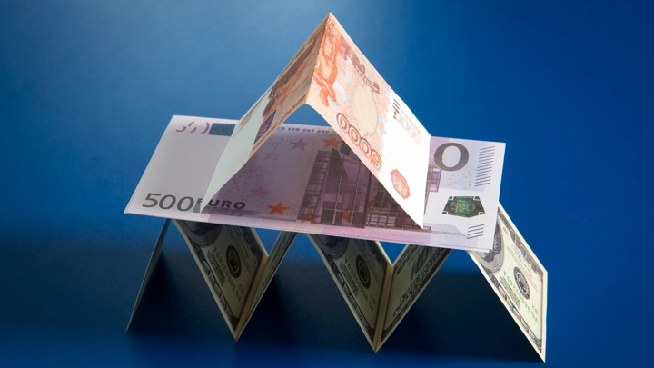Рубль устал бояться: доллар и евро потеряли еще один рубеж
