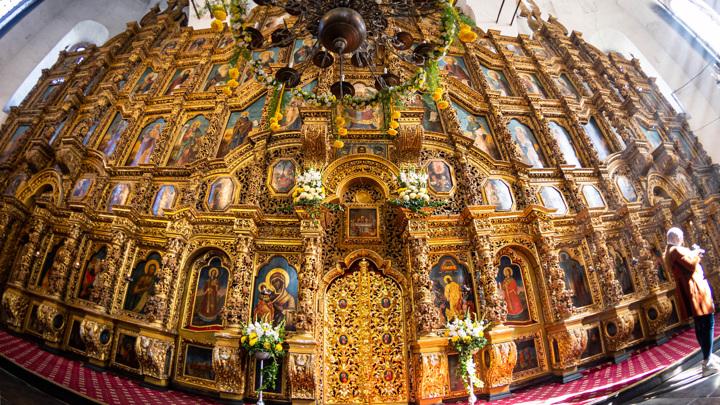 Воры выкинули почитаемую икону, украденную из московского храма