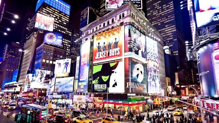 """""""Бродвей вернулся"""": Бродвейские театры начинают работу после полуторагодового перерыва"""