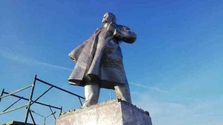 В Новосибирской области вандалы украли руку Ленина