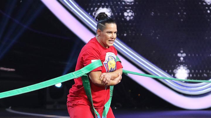 """Одна из сильнейших женщин России пробилась в финал шоу """"Удивительные люди"""""""