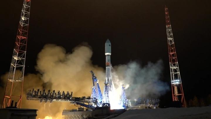 """Ракета-носитель """"Союз-2"""" вывела на орбиту навигационный спутник """"Глонасс-К"""""""