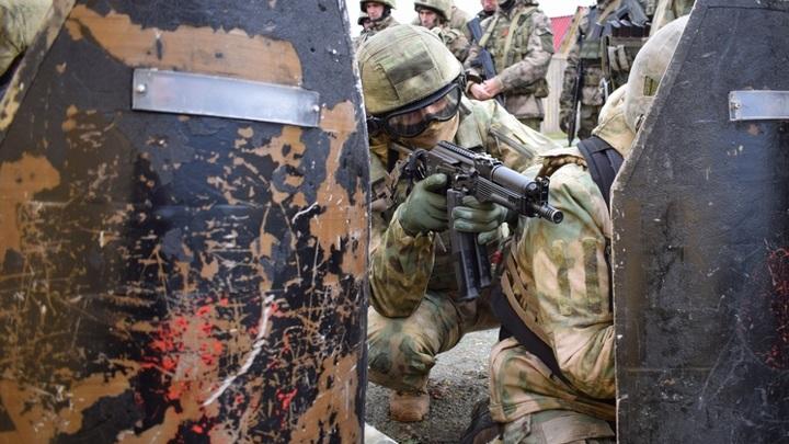 В Новосибирске военнослужащие отряда специального назначения открыли огонь