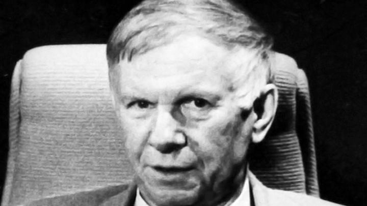 Сегодня исполняется 90 лет со дня рождения писателя-фронтовика Василя Быкова