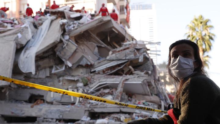 Количество погибших в результате землетрясения в Турции увеличилось до 110