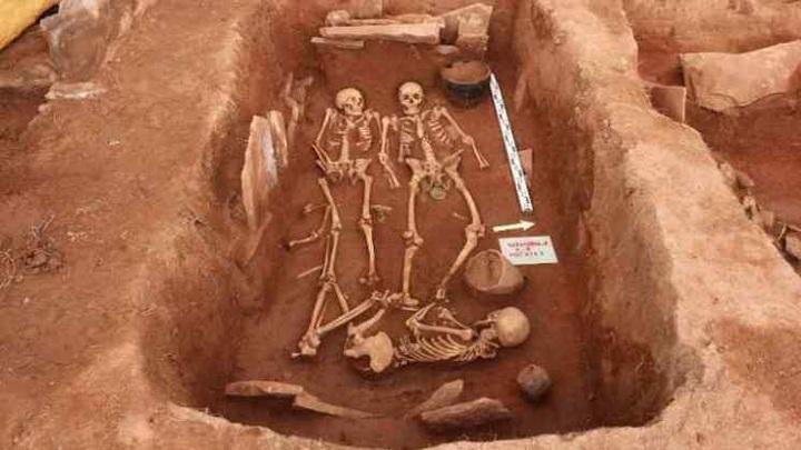 Археологи из Новосибирска нашли древние останки женщин-воинов