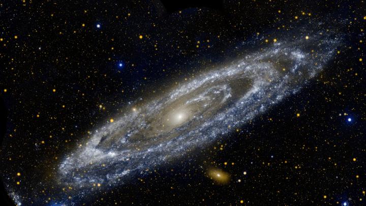 Большие галактики растут, безжалостно пожирая малые.