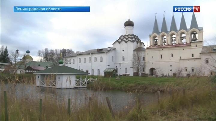 В Тихвине завершено восстановление звонницы Богородичного  Успенского монастыря
