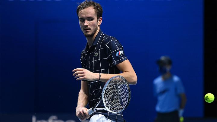 Даниил Медведев упустил путевку в 1/4 турнира в Мадриде