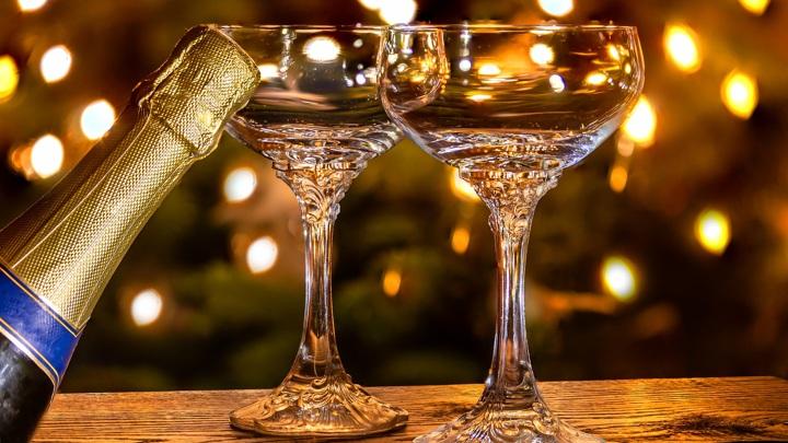 Производство шампанского упало вдвое, другой алкоголь тоже в минусе