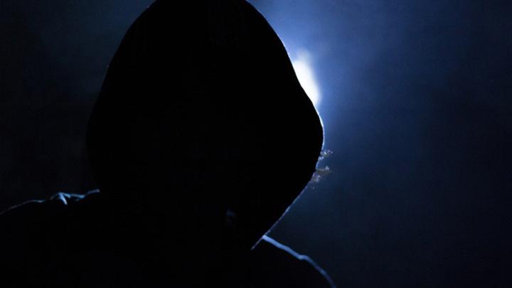 В Воронеже налетчики в масках совершили кражу на АЗС
