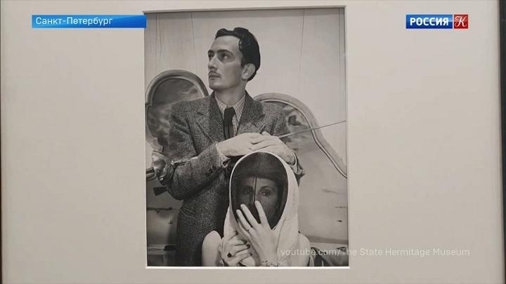 Эрмитаж представляет выставку работ британского фотографа Сесила Битона