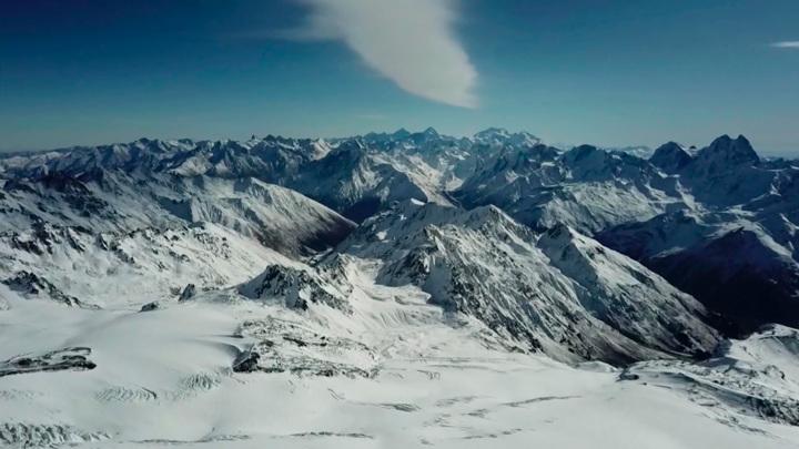 Новосибирский спортсмен спас альпинистку во время восхождения на Эльбрус