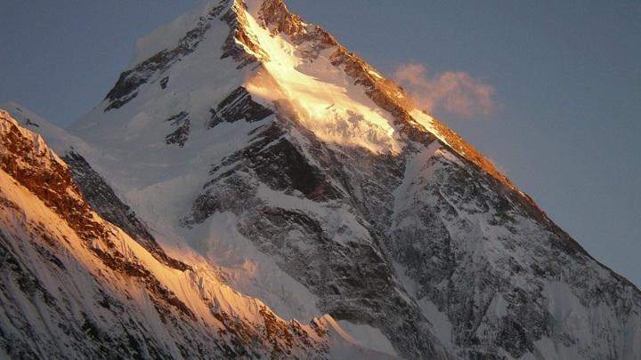 Восхождение на вторую вершину мира возглавит иркутский альпинист