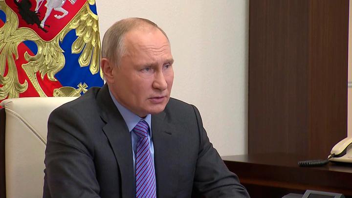 Бескорыстная забота о других: Путин отметил работу волонтеров