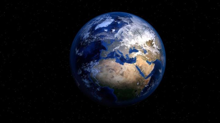 Возможно, жизнь на Земле сохраняется благодаря фантастическому везению.