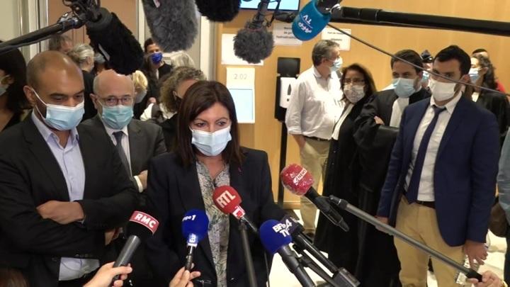 """""""Слишком много женщин-руководителей"""": мэрию Парижа оштрафовали на 90 тысяч евро"""