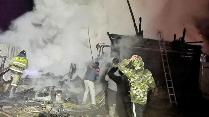 Чиновников и надзорные органы обвинили в причастности к гибели 11 человек в пожаре