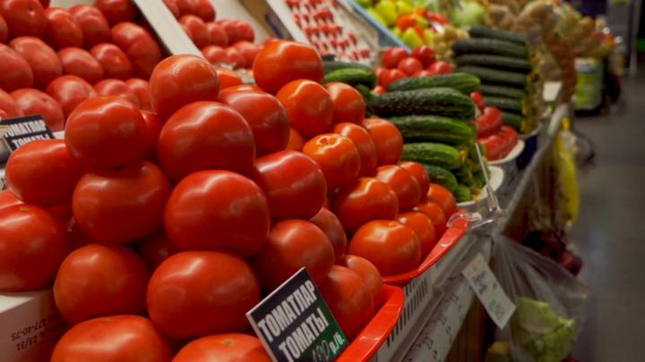 """Алая витаминная бомба: в """"Формуле еды"""" рассказали, чем полезны томаты"""
