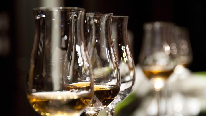 Брюн: переболевшим COVID-19 нельзя пить алкоголь