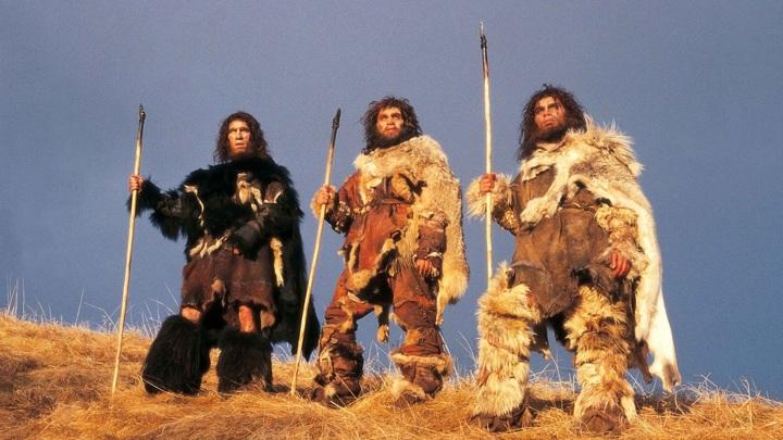 Древние охотники иногда изготавливали оружие устрашающим способом.