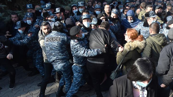 В Ереване задержали участников акции протеста