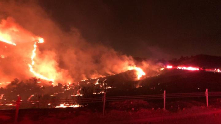 В Калифорнии базу морской пехоты эвакуировали из-за лесных пожаров