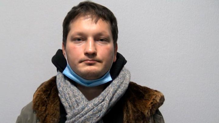 Полиция задержала в Москве лжебанкиров, обманывавших пенсионеров