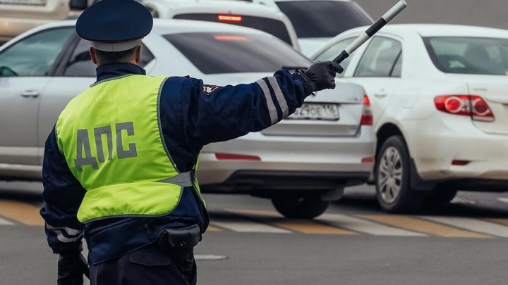 Водителя, устроившего дрифт в центре Петербурга, хотят лишить прав