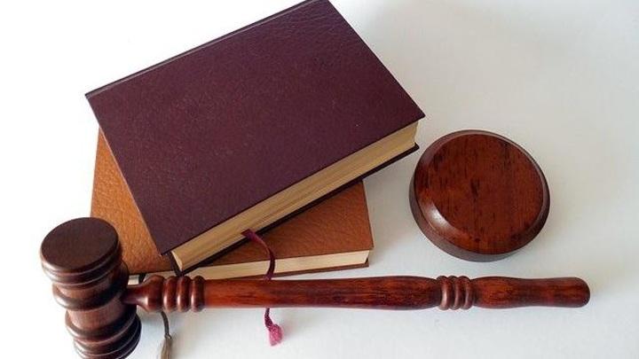 Чиновник мэрии Владивостока обвиняется в получении взятки в 3,7 млн рублей. Подробности