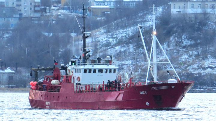 Поиски погибших моряков с затонувшего в Баренцевом море судна прекращены