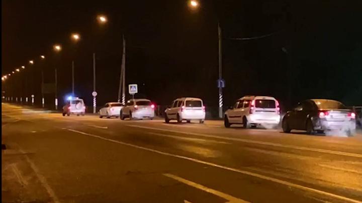 Смоленские пограничники вернули в Белоруссию машины с нелегалами