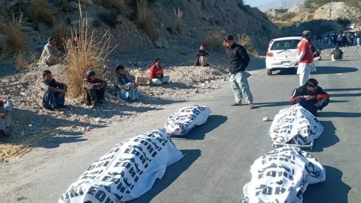 Пакистанские боевики расстреляли 11 шахтеров