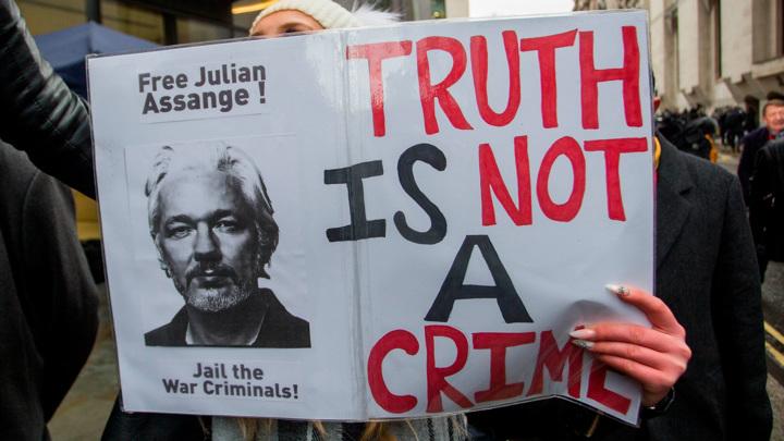 Адвокаты Ассанжа будут добиваться его освобождения из тюрьмы