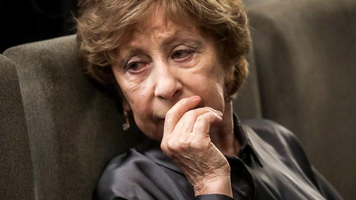 Переболевшую ковидом 82-летнюю Лию Ахеджакову выписали из больницы