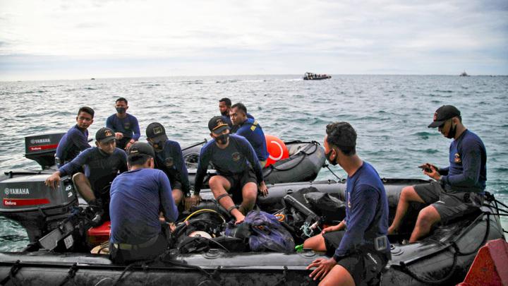 """В Индонезии обнаружили вероятное место крушения """"Боинга"""""""