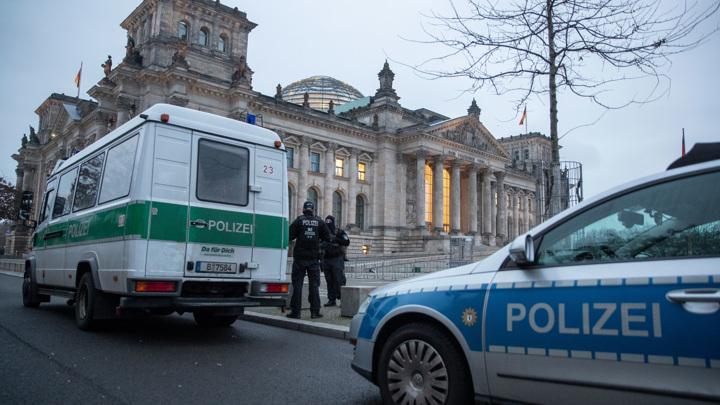 Более 5,5 тыс. полицейских дежурят на улицах Берлина