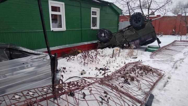 Смертельная авария с влетевшим в дом внедорожником попала на видео