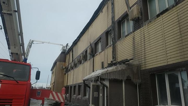Пожарные ликвидировали масштабное возгорание в Омске