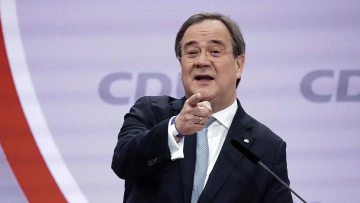 Лидер ХДС Германии не хочет отказываться от диалога с Россией и КНР
