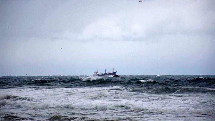 Накрыло волной: спасшийся моряк рассказал о крушении в Черном море