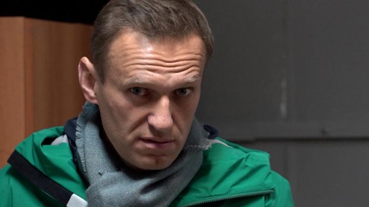 Песков назвал ерундой утверждения, что Путин боится Навального