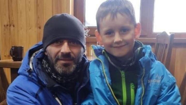 Сход лавины на Домбае: инструктор спас ребенка