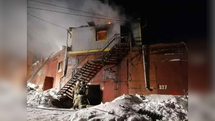 В Новосибирске в сгоревшем гараже работала нелегальная гостиница