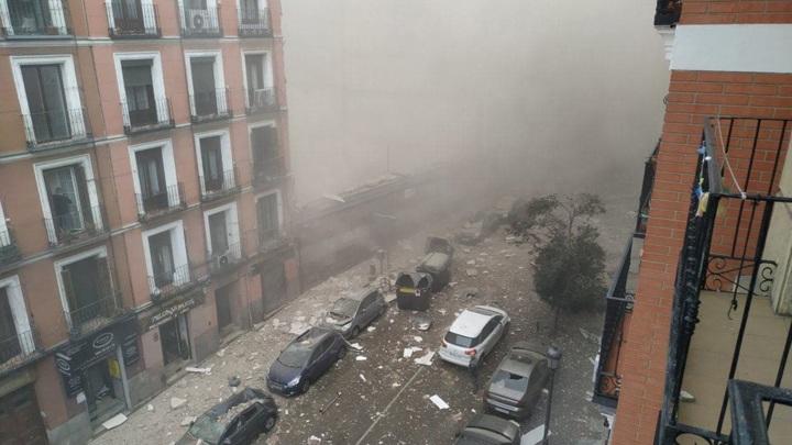 3 человека погибли, 1 пропал без вести в результате взрыва бытового газа в Мадриде