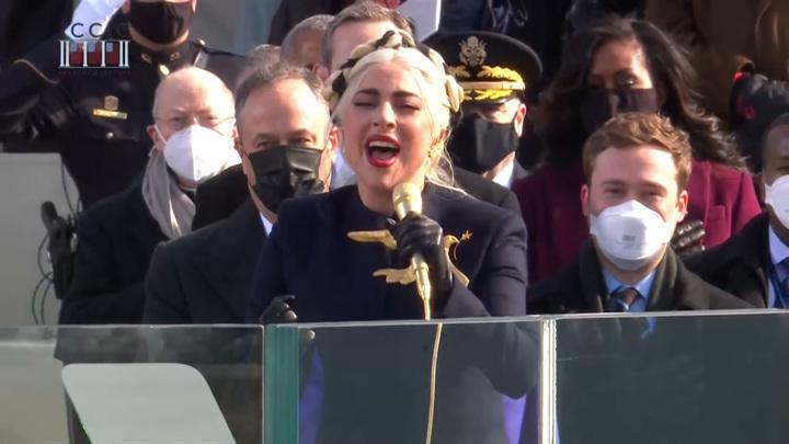 Леди Гага спела гимн США на инаугурации Байдена