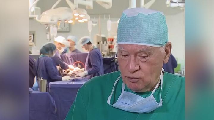 """Кадр из программы """"Судьба человека"""". Лео Бокерия"""