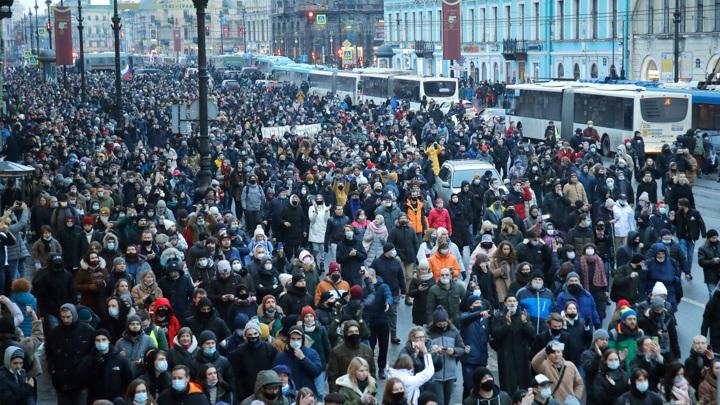 Кремль о протестных лозунгах: отношение к президенту выражается в ходе голосования