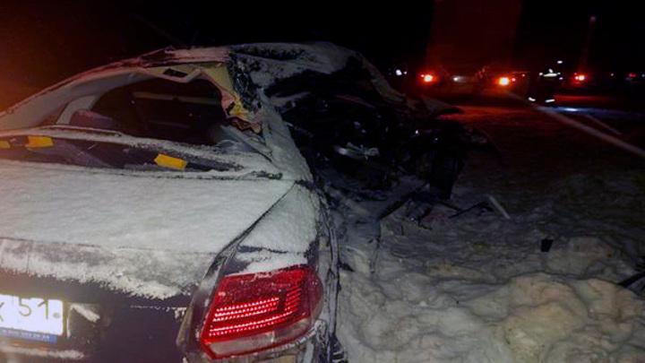 Четыре человека погибли в аварии с фурой под Мурманском